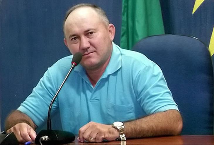 Vereador solicita ônibus para transportar alunos da zona rural que ainda utiliza pau de arara