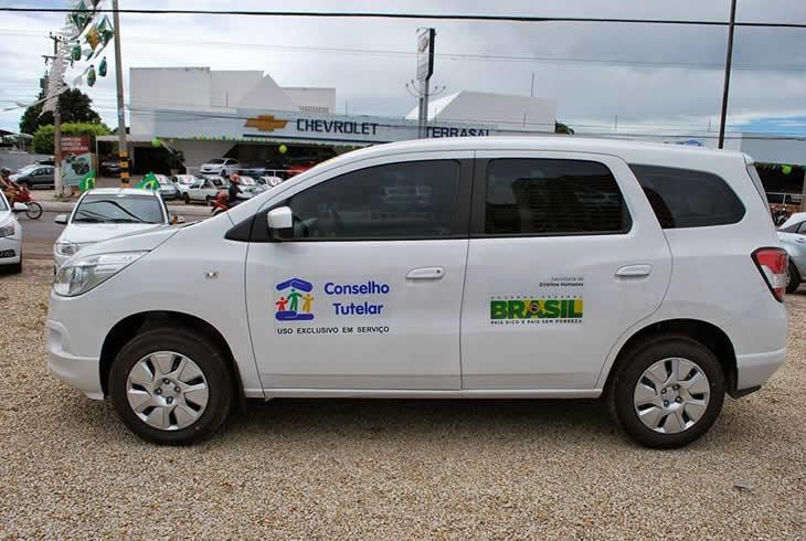 Prefeitura Municipal receberá equipamentos e um veículo através da Assistência Social.
