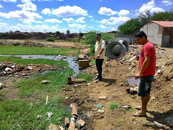 O canal do descaso: Bairro São Jose é vitima do descaso.