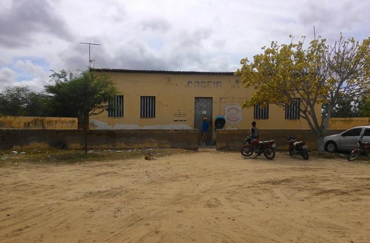 SEM CONDIÇÕES DE FUNCIONAR: Presos da Cadeia de Taperoá serão transferidos para detenção de Patos