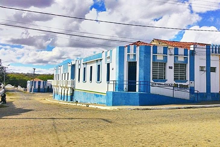 Taperoá: Secretaria Municipal de Educação desde o dia 31 esta divulgando a programação da Semana da Pátria na Zona Rural.
