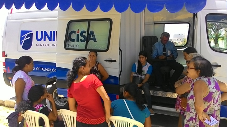 """Prefeitura Municipal através da secretaria de saúde, traz para o município de Taperoá o programa """"Veja bem""""."""