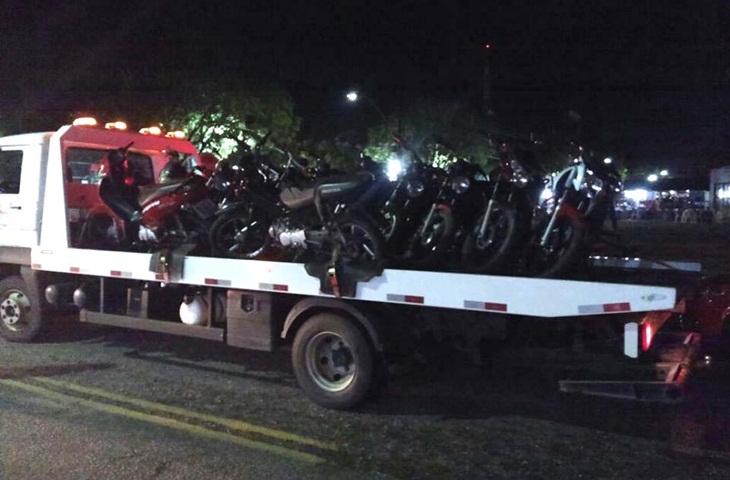 Operação surpresa apreende motos irregulares em Taperoá e Livramento