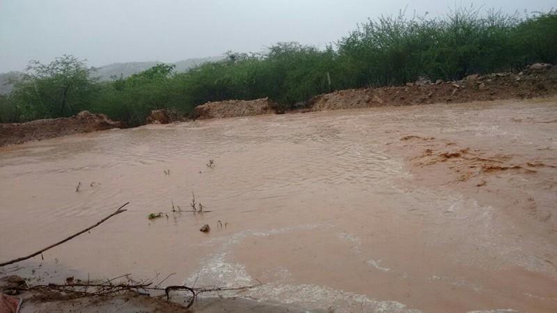 Açude estoura na comunidade do JATOBÁ, zona rural do município de Taperoá.