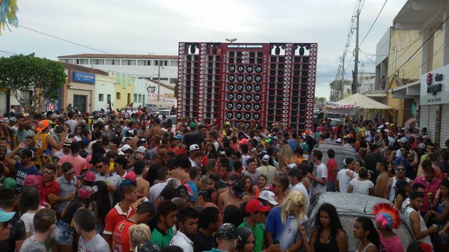 Carnaval em Taperoá é o maior de todos os tempos e atrai multidão para cidade