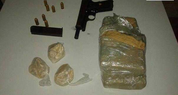 Fugitivo de penitenciária do RN é preso com arma e drogas em Taperoá