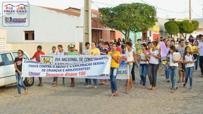Caminhada alusiva ao Dia Nacional de Combate ao Abuso e Exploração Sexual de Crianças e Adolescentes é realizada em Taperoá