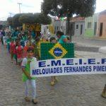 Alunos da Escola Municipal Fernandes Pimenta realizaram caminhada em defesa do meio ambiente
