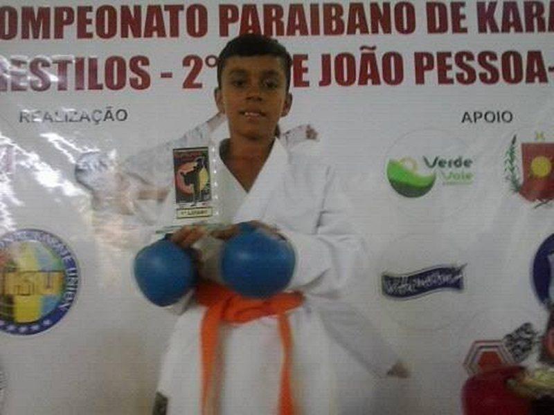 Próximo de competição nacional, karateca taperoaense segue em busca de patrocínios