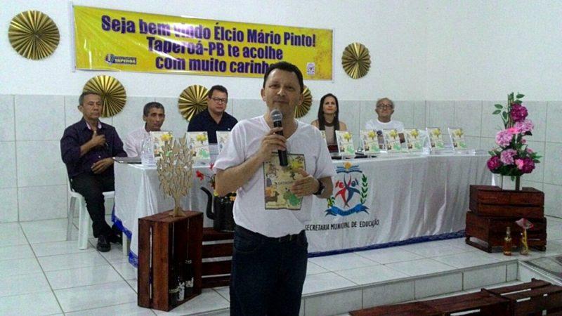 """Foi realizado na Escola Pedro de Farias, o Lançamento do livro """"Catulino Capilé"""