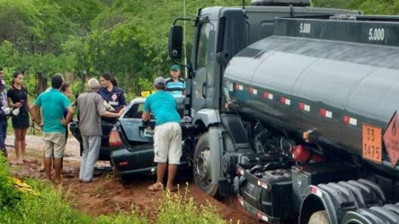 Acidente na PB 238 entre Caminhão de combustível e veículo de passeio deixa uma pessoa morte na zona rural de Taperoá Paraíba