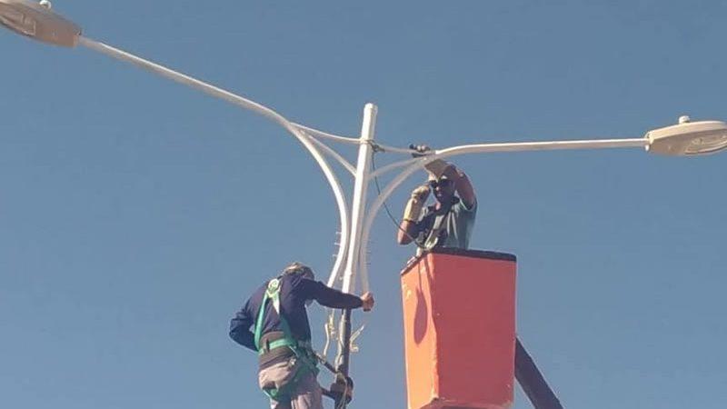 Prefeitura implanta iluminação LED na avenida Dorgival Terceiro Neto.