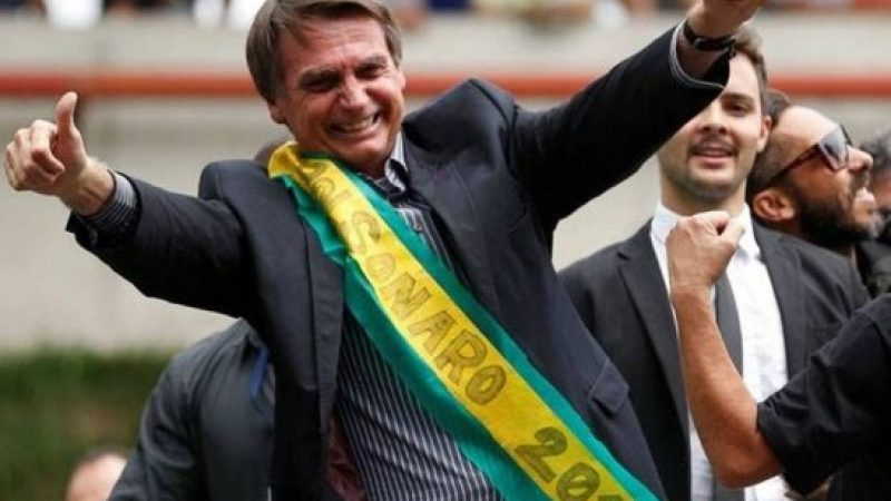 Jair Bolsonaro é eleito o novo Presidente do Brasil. Veja suas principais propostas