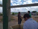 Prefeito de Taperoá, Júnior de Preto, acompanha técnicos da CAGEPA que estão fazendo testes de vazão.