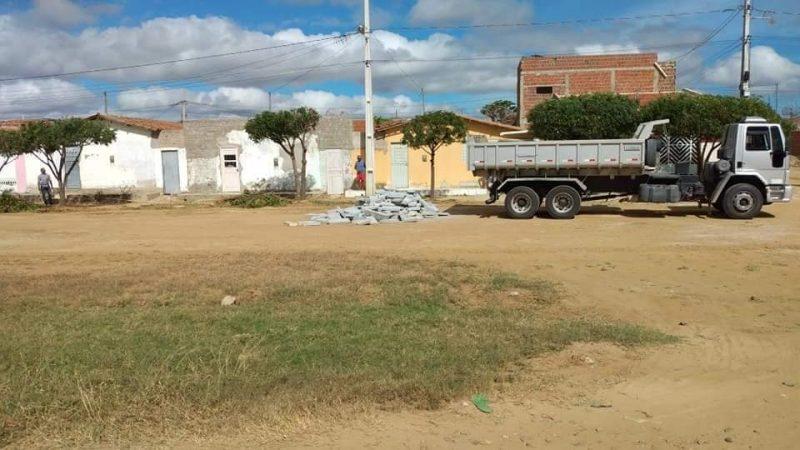 Foi dado a ordem de serviço para inicio das obras de pavimentação do conjunto Maria Alice